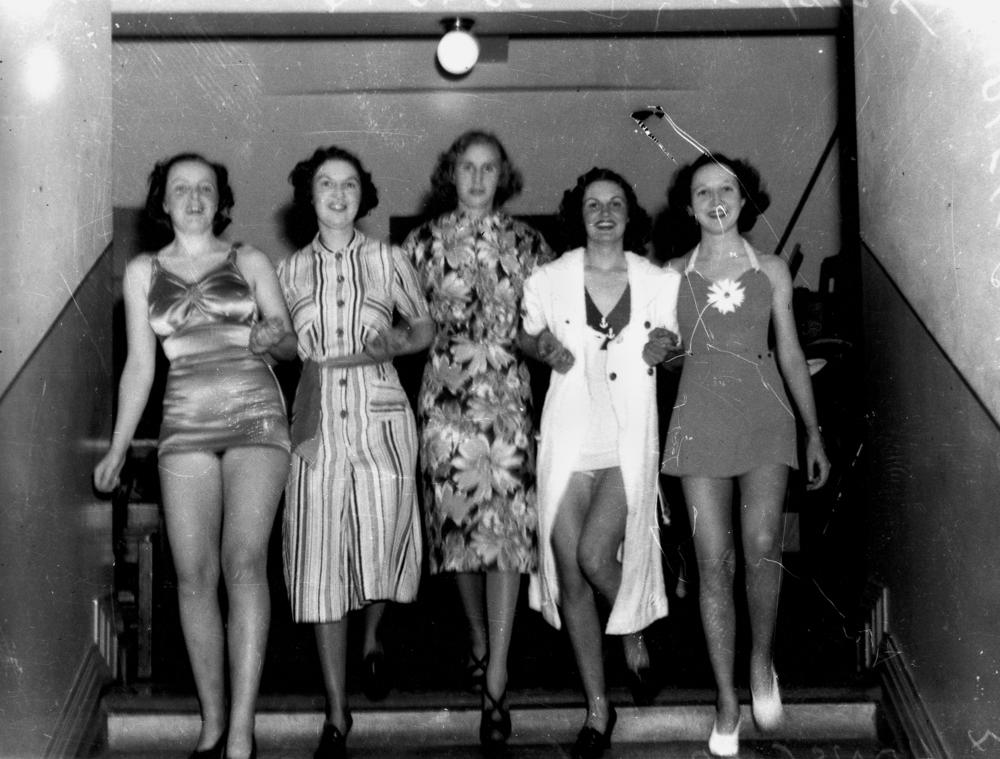 statelibqld_1_127575_stepping_out_for_a_spring_fashion_parade_1938